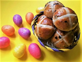 Hot Cross Buns (Easy Step By Step)